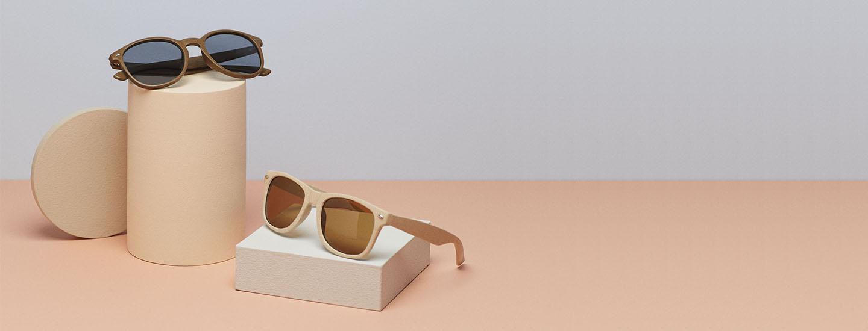 Aurinkolasit tyylin viimeistelijänä ja silmien suojana