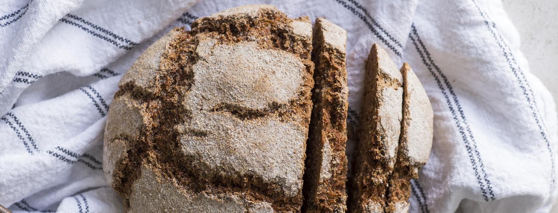 Näin onnistut: Hapanjuureen tehty ruisleipä