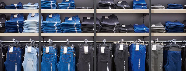 Huolla ja säilytä vaatteet oikein
