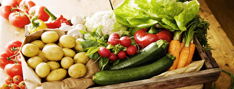 Herkullista hedelmistä, marjoista ja kasviksista