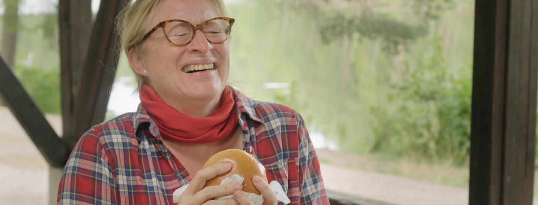 Burgereita savusilakoista ja myskikurpitsasta yllätysvieraille | Ruokareviirin laajentajat