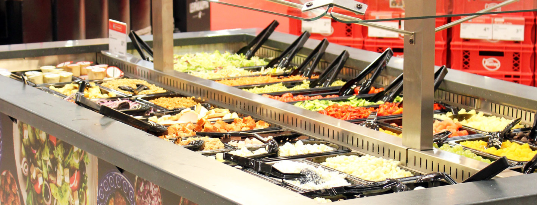 Salaattibaarista terveelliset eväät helposti mukaan