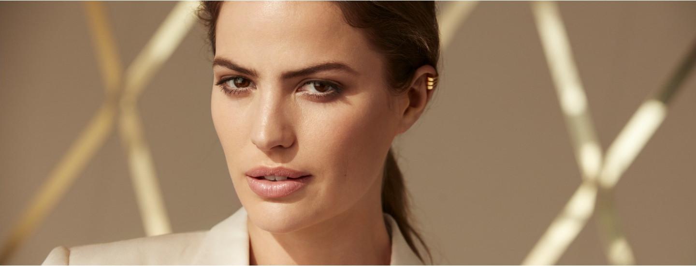 Max Factor Miracle Second Skin -meikkivoide jättää luonnollisen lopputuloksen