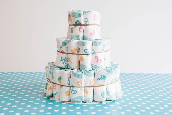 Jatka kakun kokoamista samalla kaavalla. Ensimmäinen kerros koostuu  kahdesta sisäkkäisestä vaippaympyrästä. Käytä sisimpään ympyrään 6 vaippaa e66fe70a1e