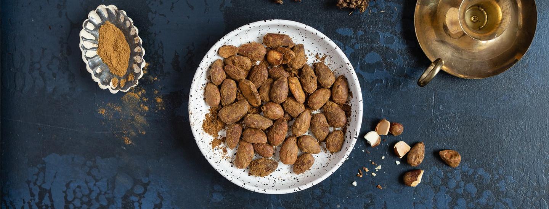 Pähkinät, mantelit ja kuivatut hedelmät kuuluvat jouluun