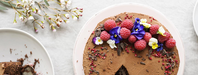 Alkukesän inspiroimat koristeet kakkuihin ja kattauksiin