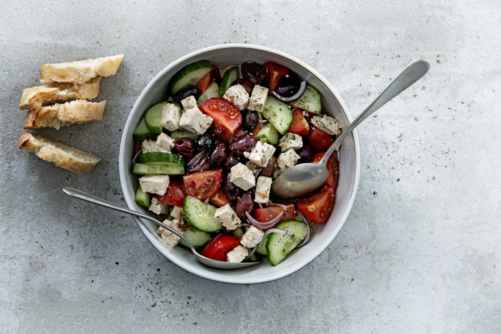 Socheeze greek salad max 680 px