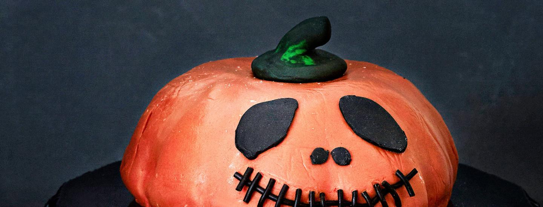 Hu huu! Näin kokoat halloweenin karmivimman kakun