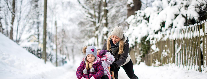 Suomessa tarvitaan hyvät talvilenkkarit ja talvisaappaat