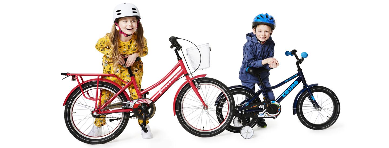 Lapsi pyöräilee turvallisesti