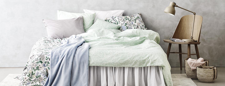 Lempeä makuuhuone keväällä 2019