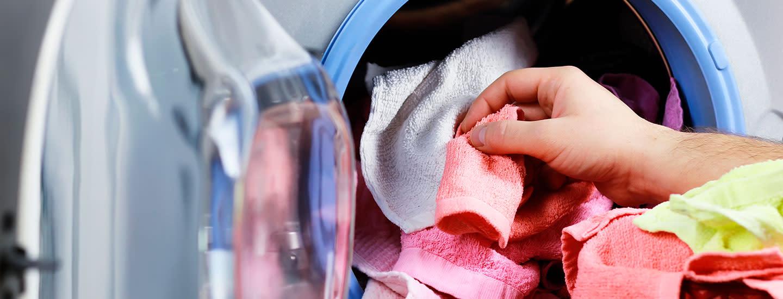 Pyykinpesukoneen puhdistus - näin varmistat pyykkien raikkauden