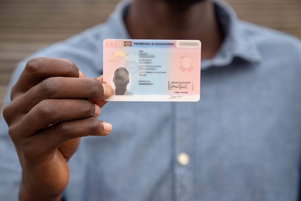 For refugee status holders: Permesso per Asilo Politico