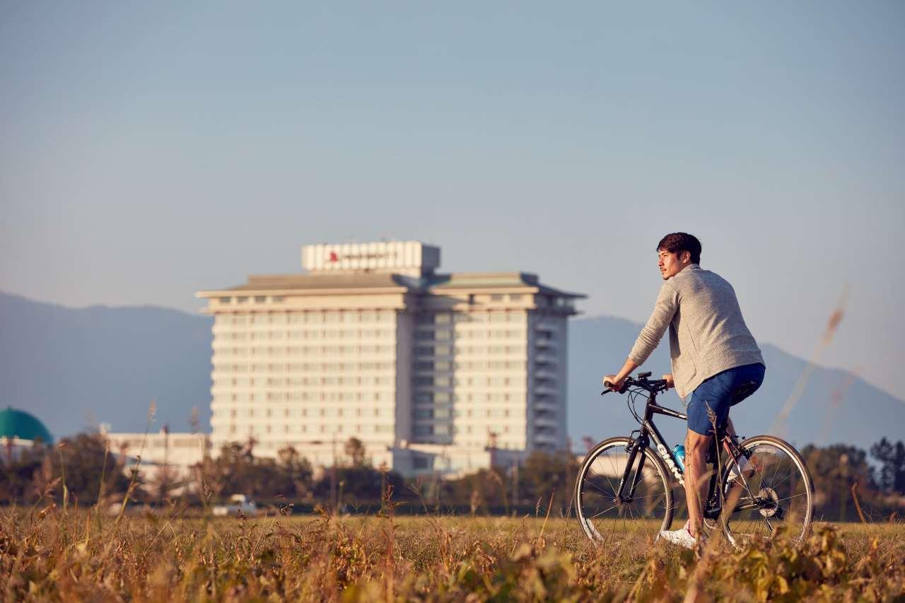 サイクリング ライフスタイルショット:琵琶湖マリオットホテル | Workations(ワーケーションズ)