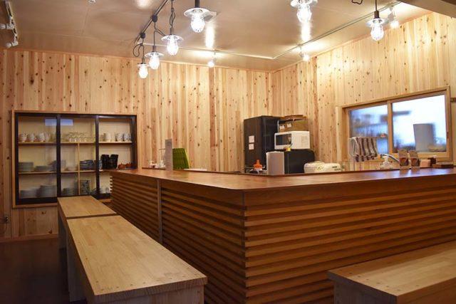 kitchen:温泉の宿 ゲストハウス雷鳥 | Workations(ワーケーションズ)