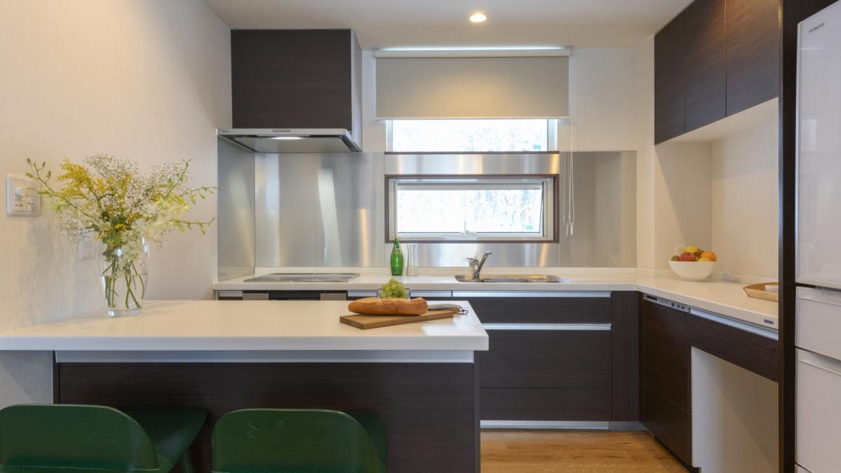 3bed kitchen:スノードッグビレッジニセコ   Workations(ワーケーションズ)