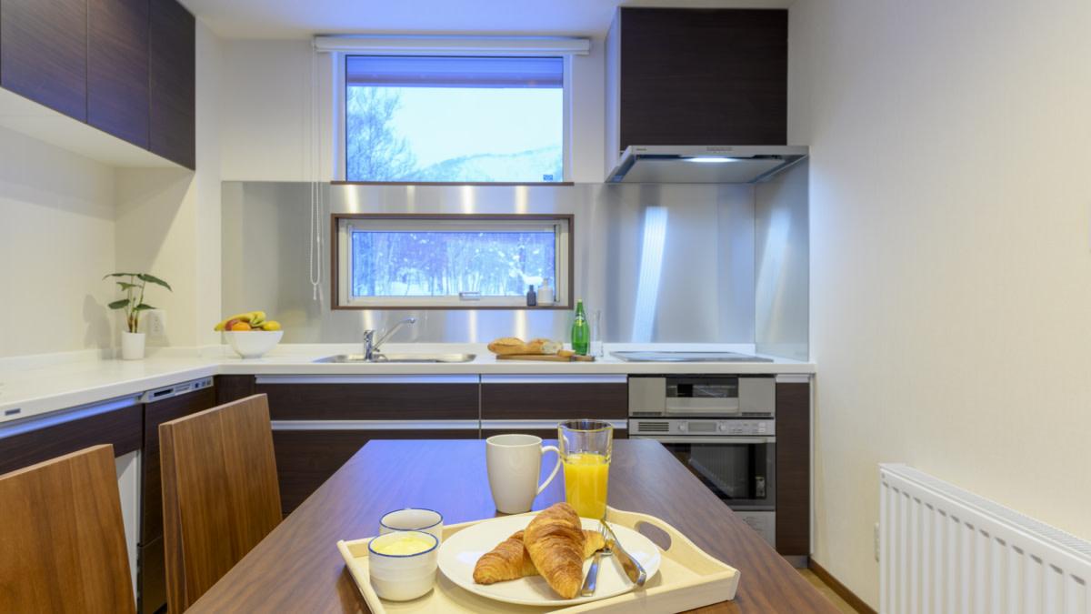 2bed kitchen:スノードッグビレッジニセコ   Workations(ワーケーションズ)