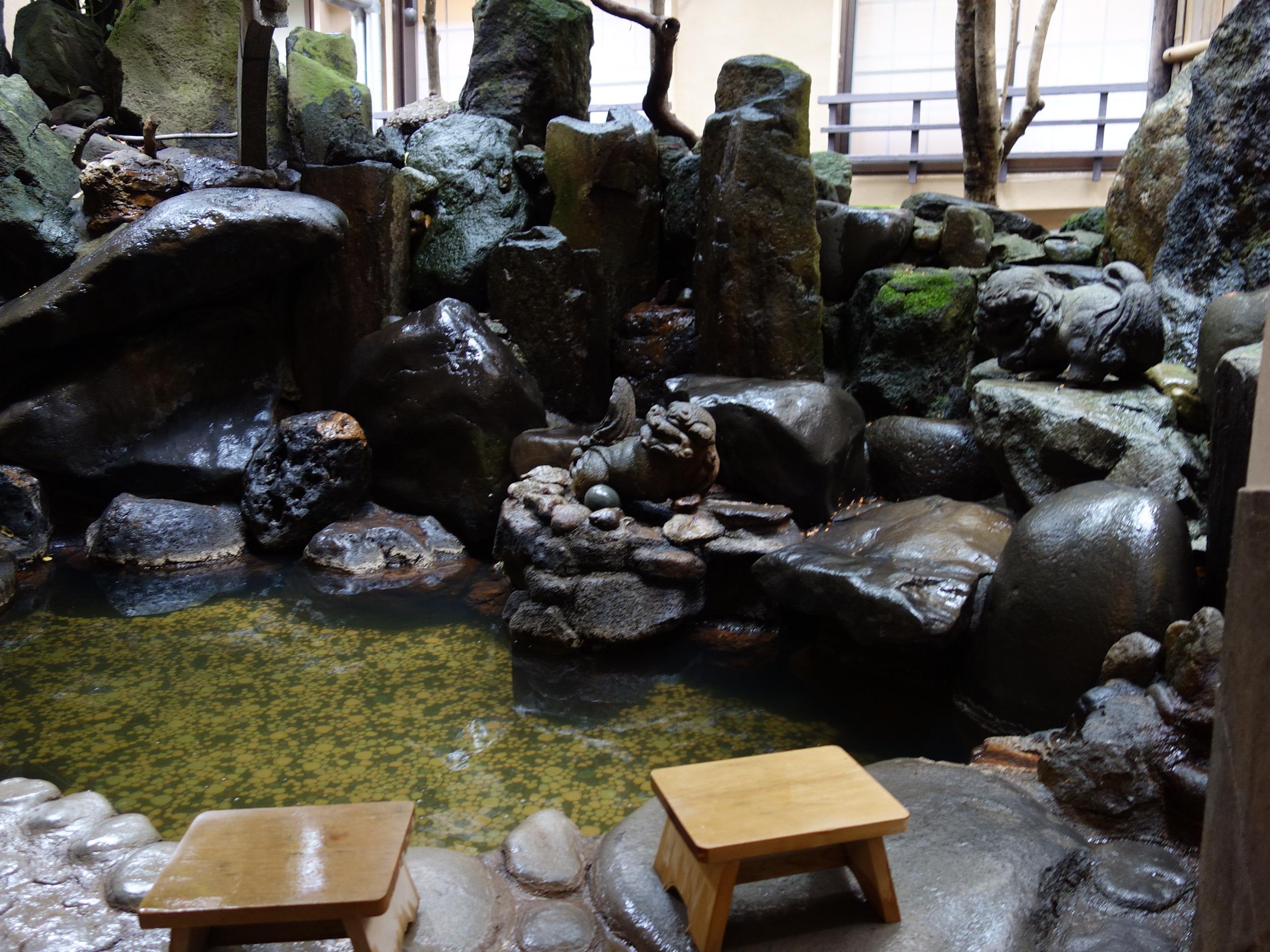 石割の湯:百年ゆ宿 旅館大沼 | Workations(ワーケーションズ)