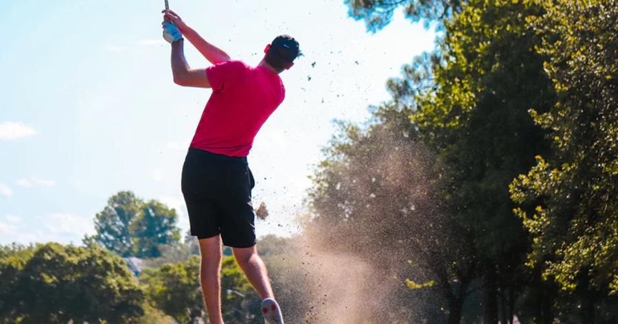 Cover Image for ゴルフ初心者はレッスンに通うべき?その理由とレッスンの選び方