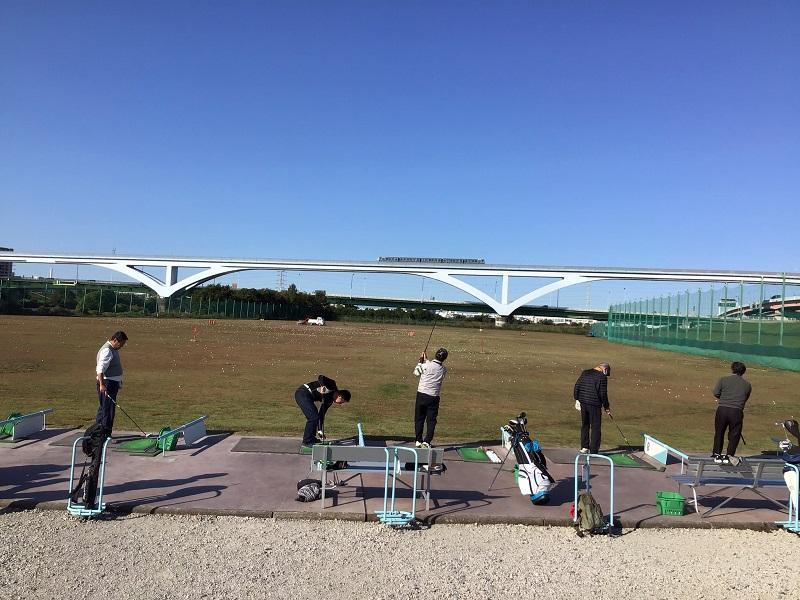 扇ゴルフ練習場