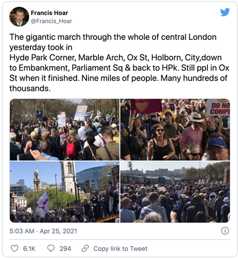 tweet from Francis Hoar depicting a march of several thousand people through central London