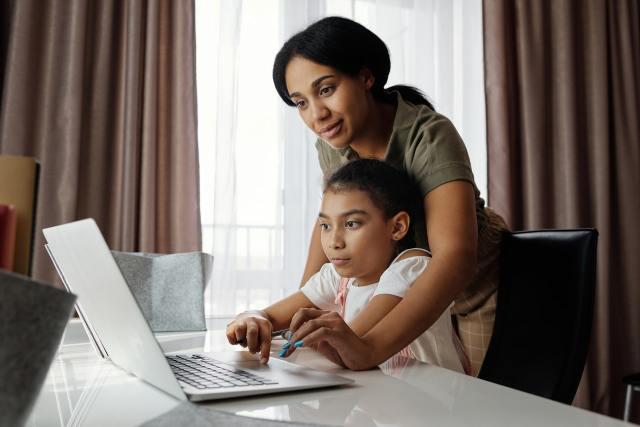 2020-12-08 - Une communication simplifiée entre les enseignants et les parents grâce à l'outil de signature de Smallpdf
