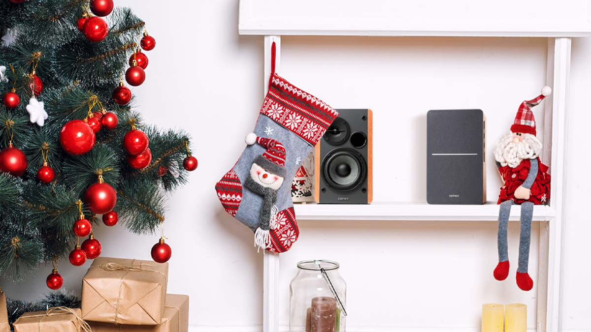 Bookshelf speakers for Christmas