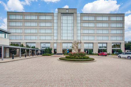 Exterior of commercial building with private offices and executive suites in Sugar Land, Texas