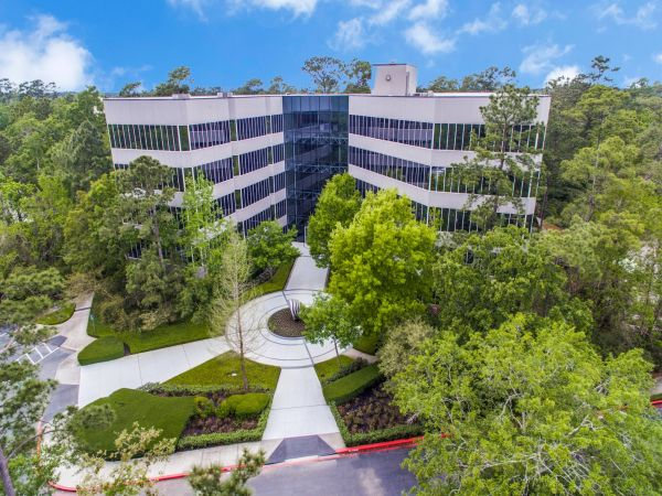 Commercial office building with executive suite rentals at 2001 Timberloch Place, Suite 500 in The Woodlands, Texas