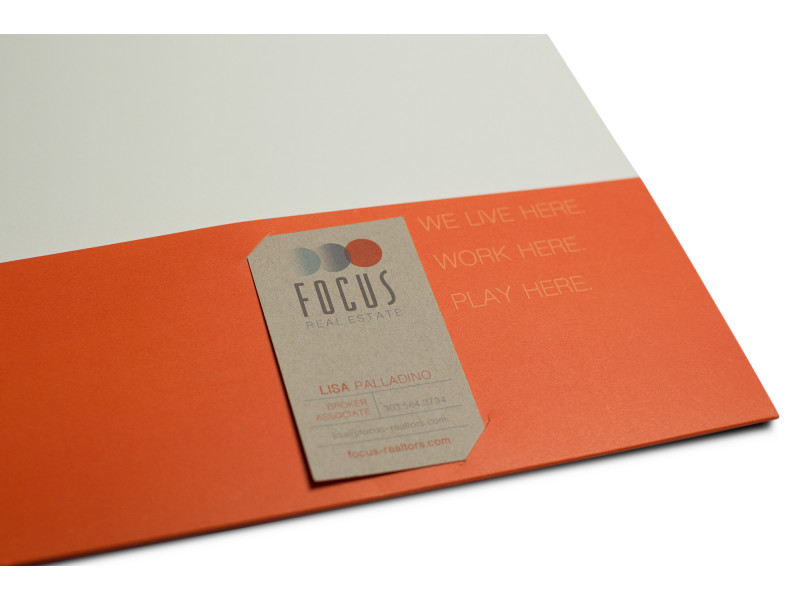 Focus Real Estate – Pocket Folder Business Card Holder
