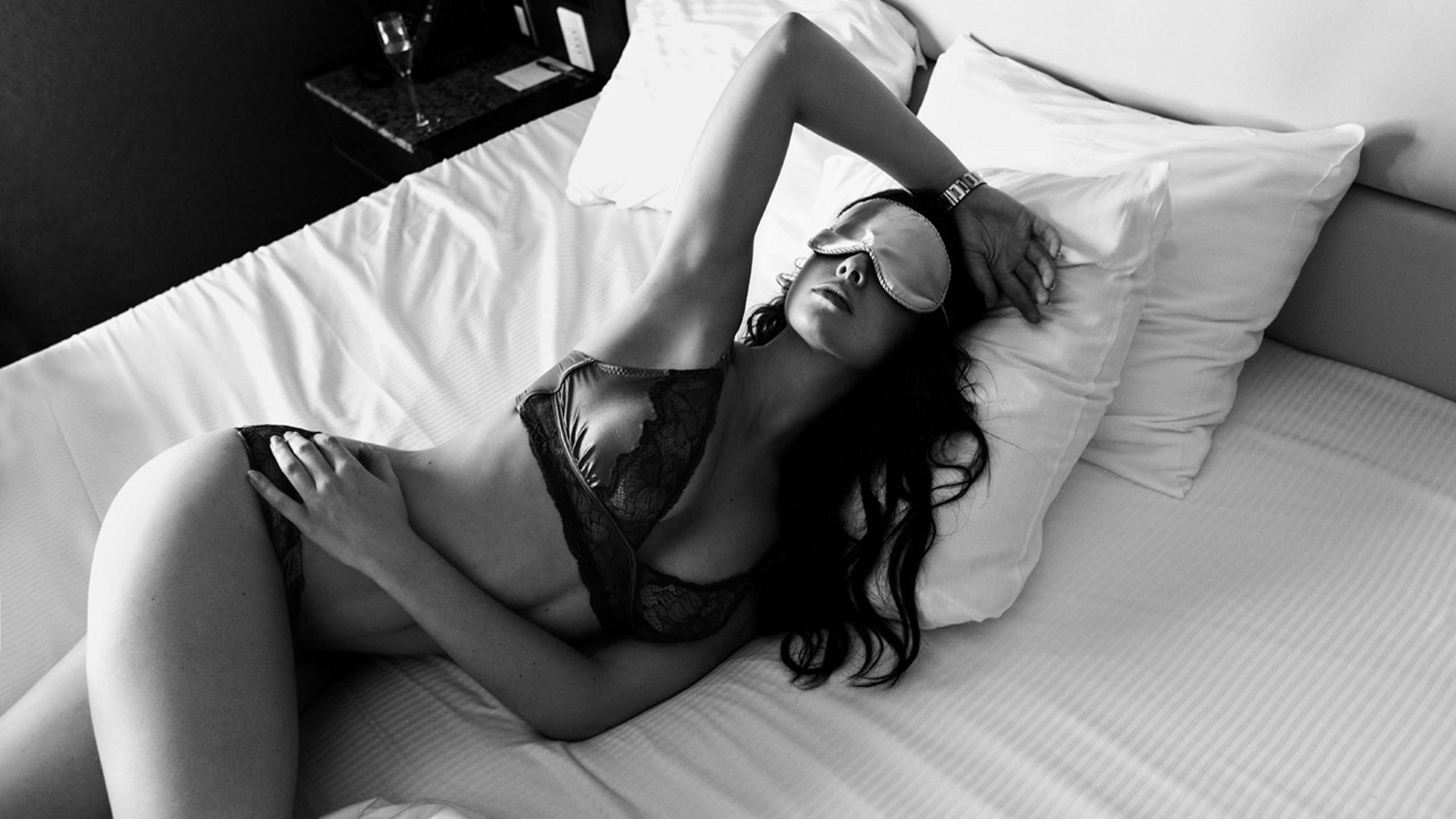 Amanda Cerny Centerfold kinky hotel rooms