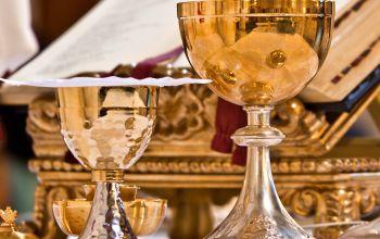 Was trinkt eigentlich der Pfarrer in der Kirche?