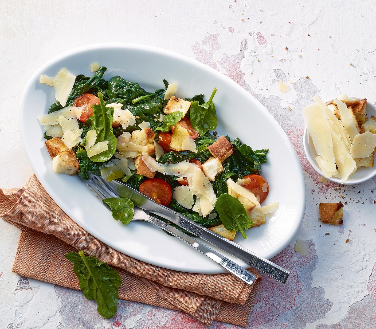warmer spinat tomaten salat annemarie wildeisen 39 s kochen. Black Bedroom Furniture Sets. Home Design Ideas