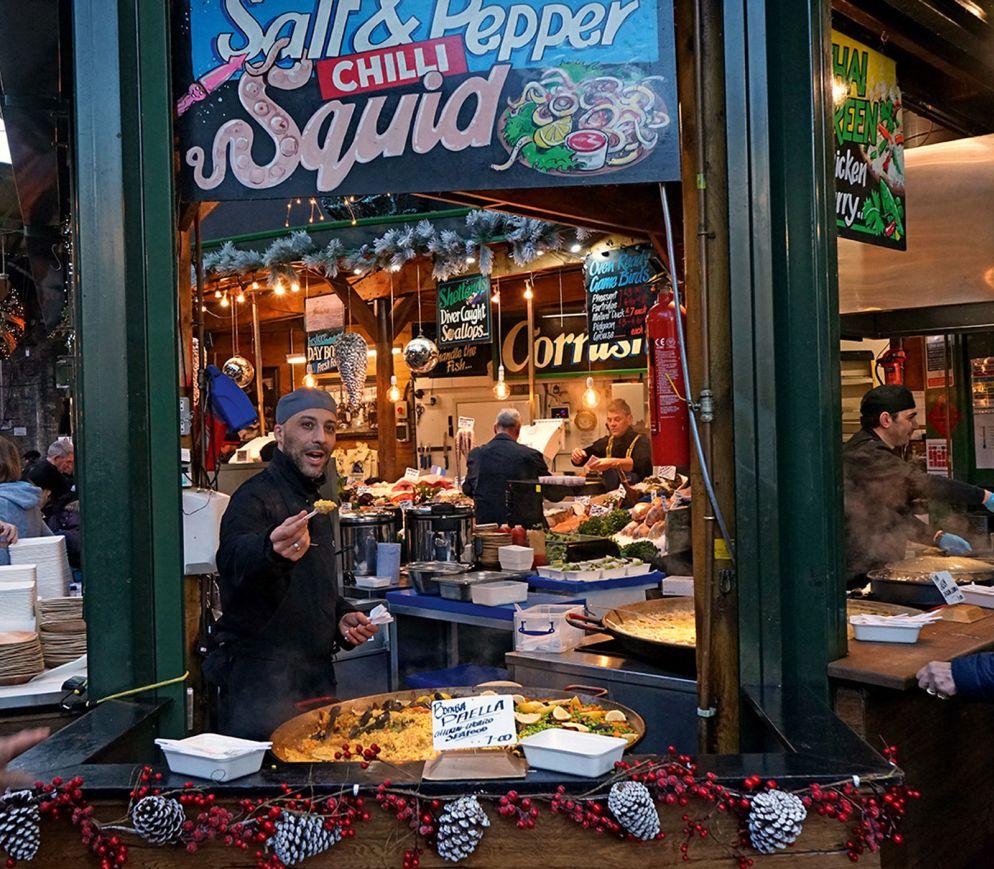 Die Menge an Streetfood-Ständen am Borough Market ist kaum zu überblicken.