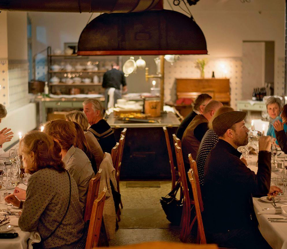 Speisen in historischem Ambiente des Kurhaus Bergün