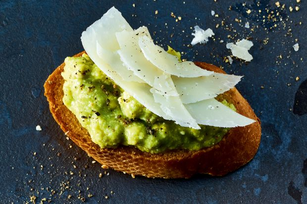 Avocado-Parmesan-Crostini