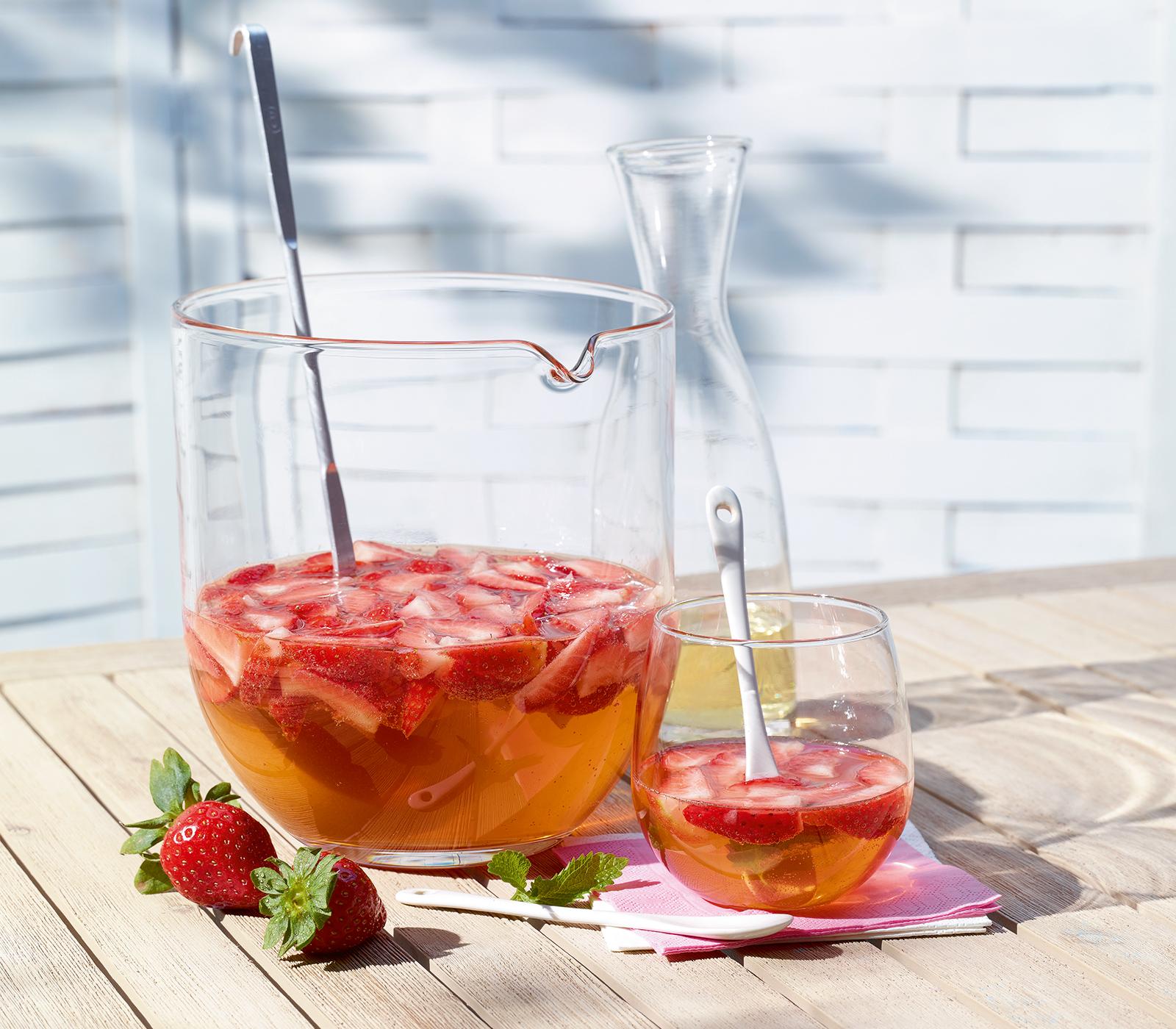 Erdbeerbowle annemarie wildeisen 39 s kochen for Kochen 10 personen