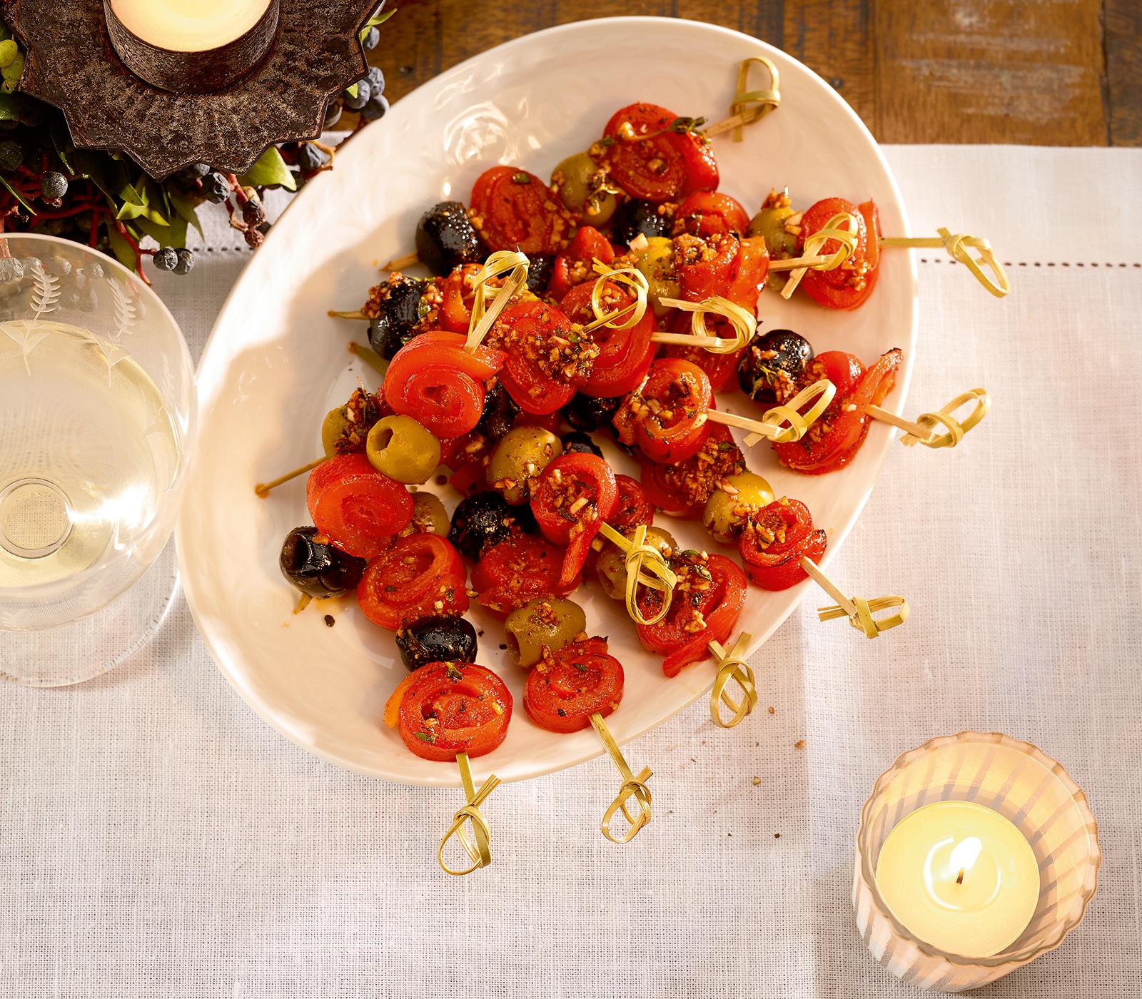 kleine peperoni oliven spiesse annemarie wildeisen 39 s kochen. Black Bedroom Furniture Sets. Home Design Ideas