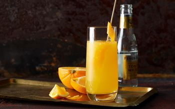 Holunder-Tonic mit Orange