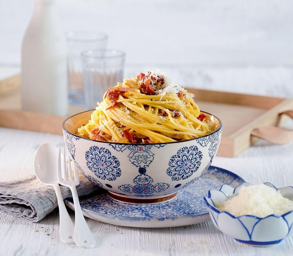 """<a href=""""https://www.wildeisen.ch/rezepte/spaghetti-carbonara-mit-doerrtomaten"""" target=""""_blank"""">Spaghetti «Carbonara» mit Dörrtomaten</a>"""