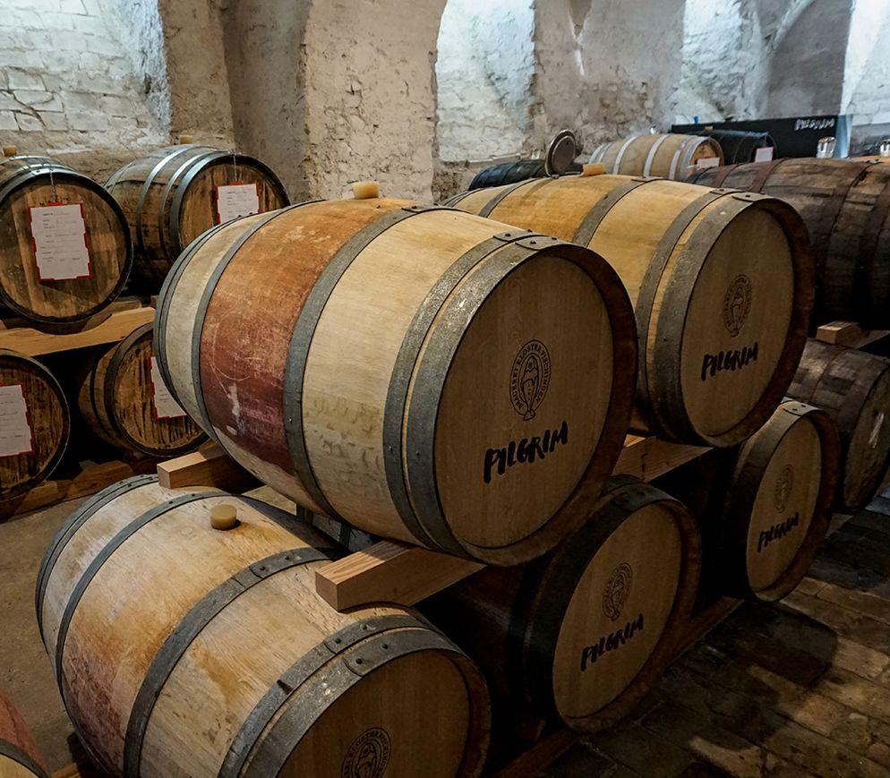 Einmalig: Im alten Klosterkeller reift bei Pilgrim die neuste Generation von Gourmetbieren in gebrauchten Barriques. Ostern 2019 wird dieser Schatz abgefüllt.