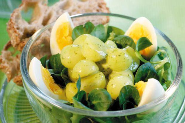 N sslisalat mit kartoffeln und ei annemarie wildeisen 39 s - Eier weich kochen minuten ...