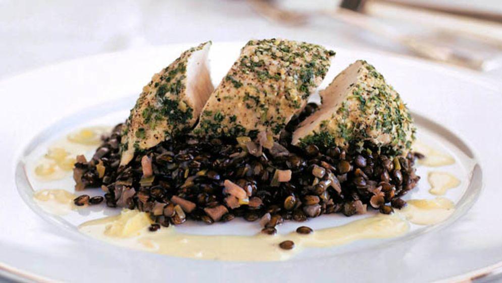 "<a href=""https://www.wildeisen.ch/rezepte/pouletbrustchen-auf-linsen-an-schaumweinsauce"" target=""_blank"">Pouletbrüstchen auf Linsen an Schaumweinsauce</a>"