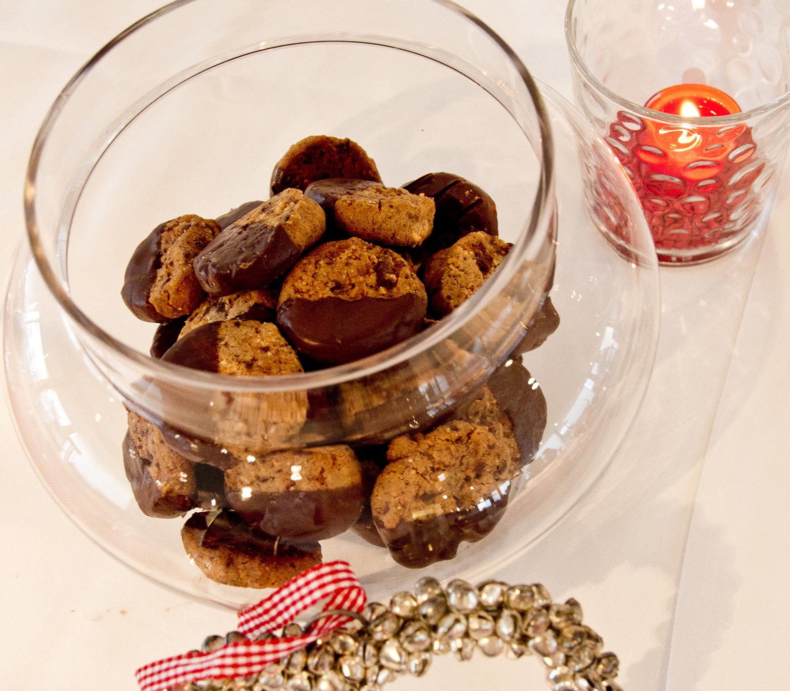 schokoladen cookies annemarie wildeisen 39 s kochen. Black Bedroom Furniture Sets. Home Design Ideas