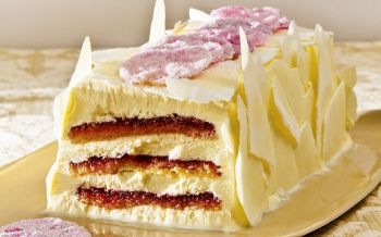Cranberry-Rosen-Glace-Cake