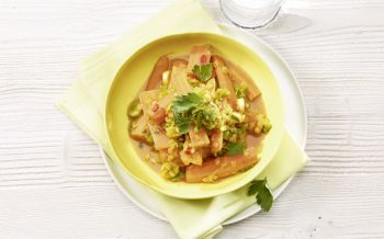 Bundkarotten-Curry mit roten Linsen