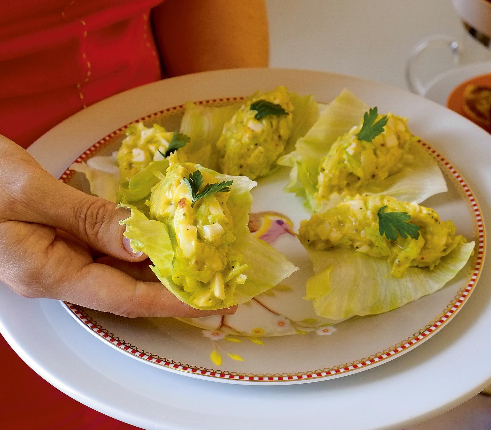 Avocado-Eier-Salat im Eisbergblatt - Annemarie Wildeisen's KOCHEN