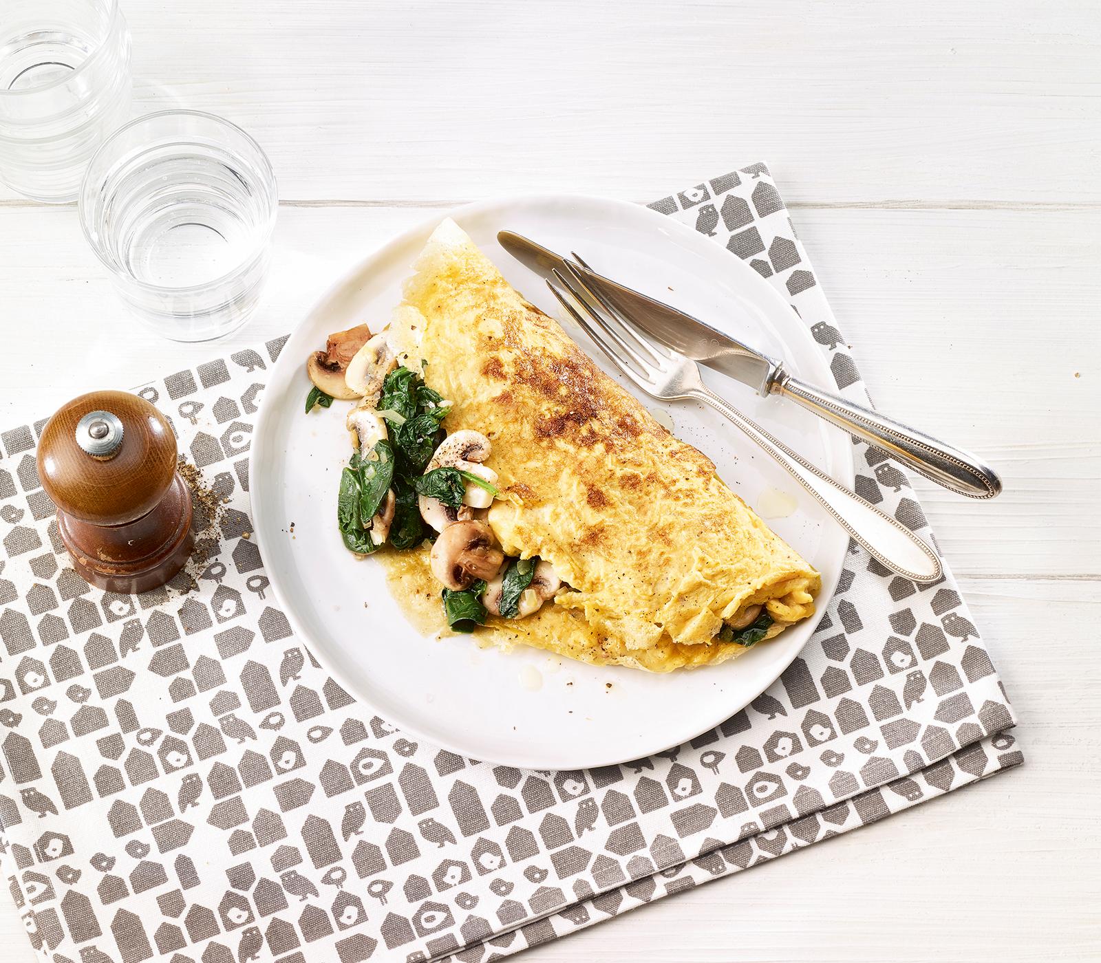 Französische Omelette mit Champignons und Spinat ...