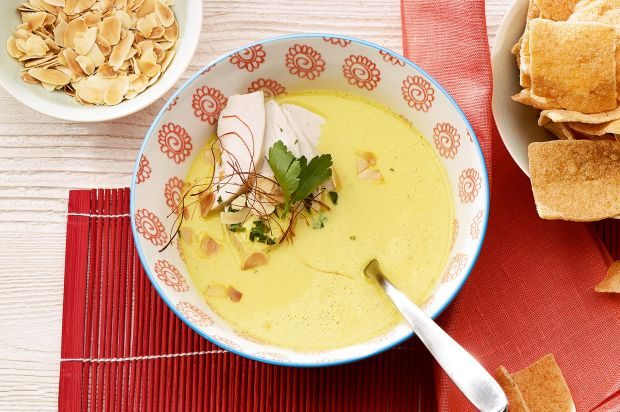 Currysuppe mit Huhn
