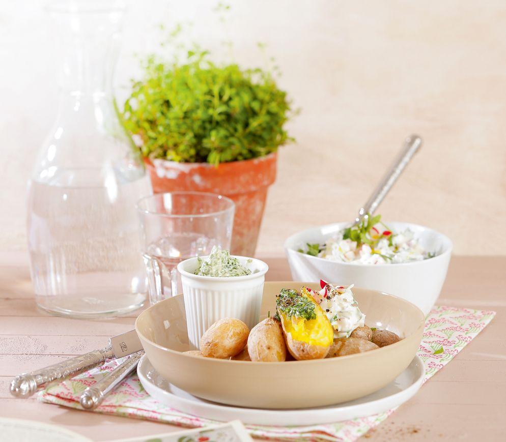 """<a href=""""https://www.wildeisen.ch/rezepte/kartoffeln-im-salzmantel-mit-kraeuter-olivenoel-butter-und-radieschen-rucola-dip"""" target=""""_blank"""">Kartoffeln im Salzmantel mit Kräuter-Olivenöl-Butter und Radieschen-Rucola-Dip</a>"""